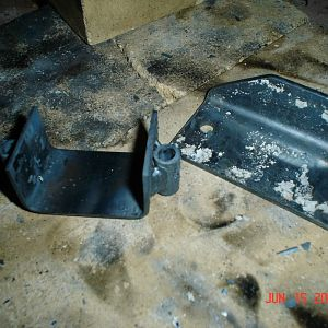 Tail Wheel Retainer and Mounting Plate