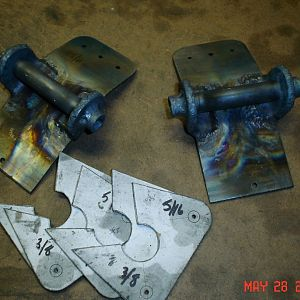 Forward and Rear Main Gear Brackets