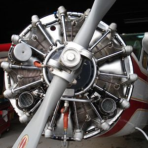 Head On View Of a Jacobs 755-A2 300 hp Radial