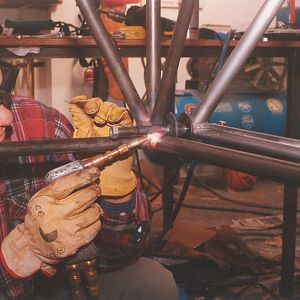 Engine mount spools welding