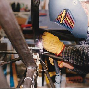 Welding gear leg