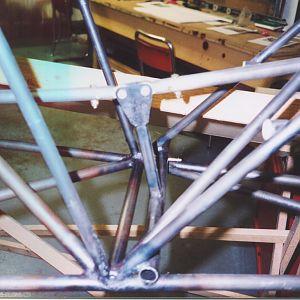 Elevator_walking_beam_in_rear_fuselage.jpg