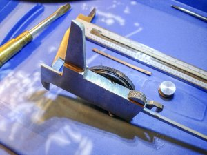 tool__caliper__Mitutoyo_dial_calipers-006.jpg