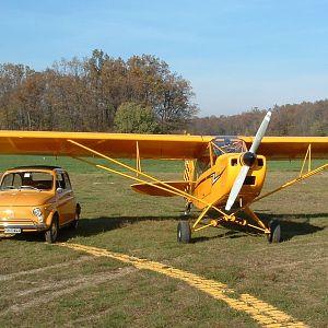 Fiat 500 and piper Cub