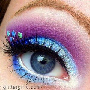 Sparkly Blue Flower :) Video tutorial: http://www.youtube.com/watch?v=I4S_LtuB3e0