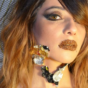 Hi guys, this look was inspired by chocolate. In this pic i actually used real milk chocolate and chocolate sprinkles for the mouth.