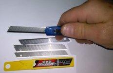 knife-9mm.jpg