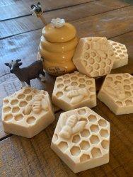 honey, oats and goat milk bees soap (2).jpg